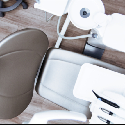 What are the Difference Between a Cosmetic Dentist and a General Dentist?